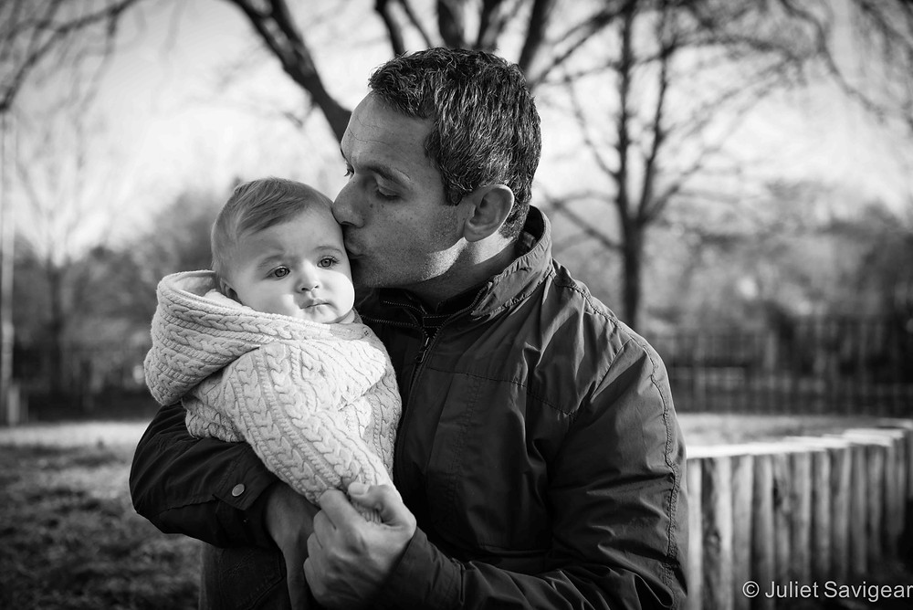Kisses From Daddy - Family Photography, Tooting Common