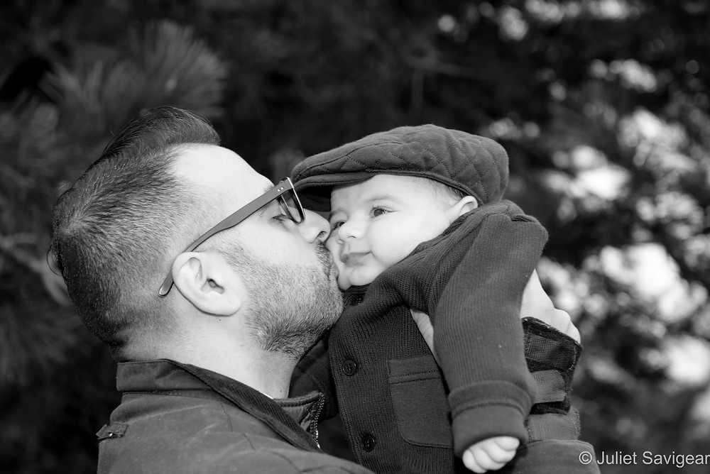 Kiss - Baby Photography - Tooting Common