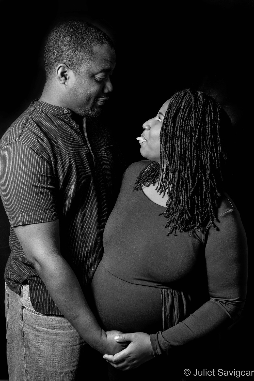 Cheeky pregnancy photography