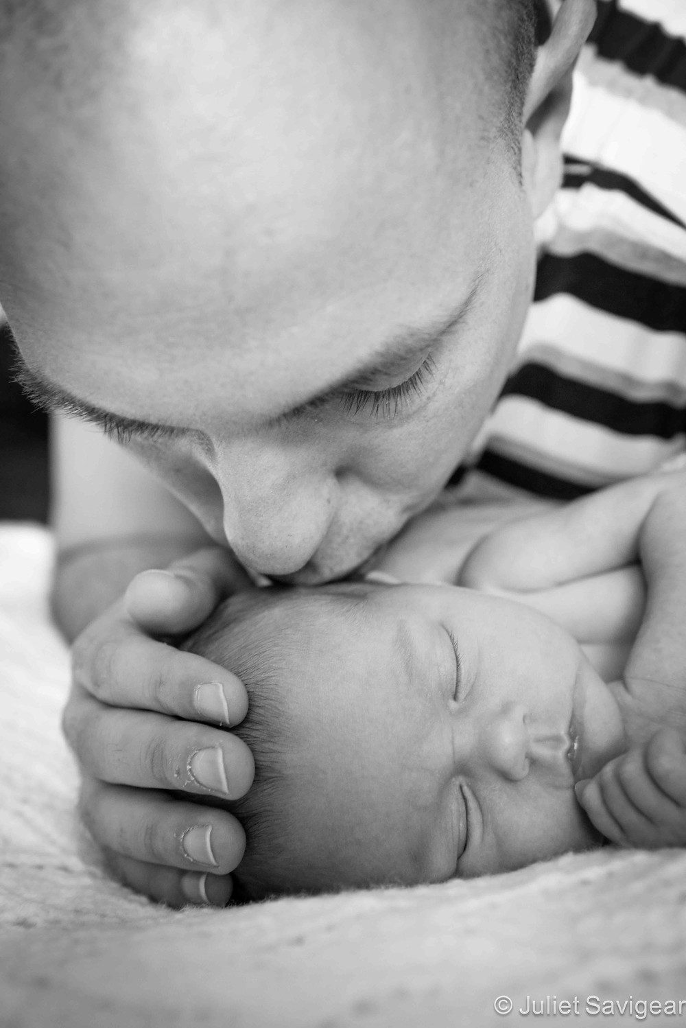 Kisses From Daddy - Newborn Baby & Family Photography, Surrey