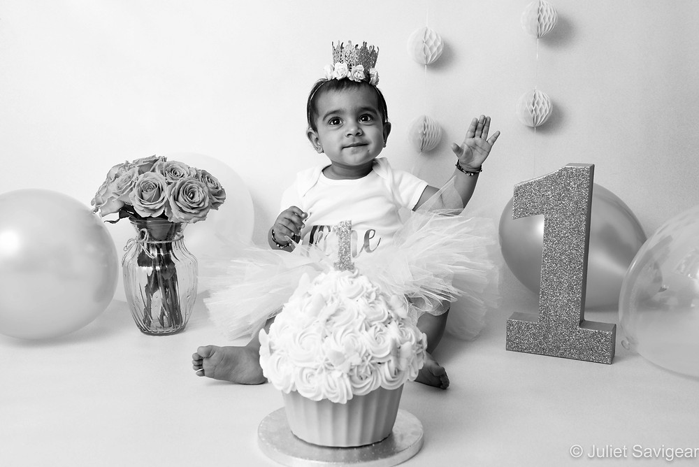 Cake Smash - First Birthday Photo Shoot - Mitcham