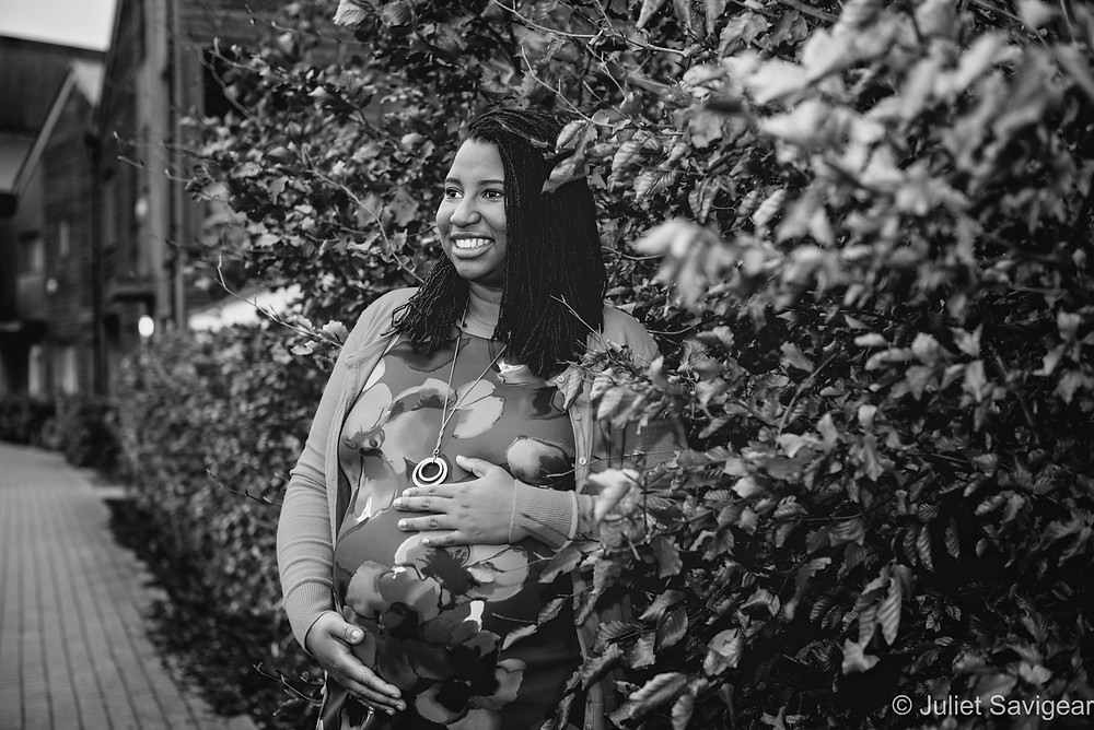 Pregnancy photography outdoors