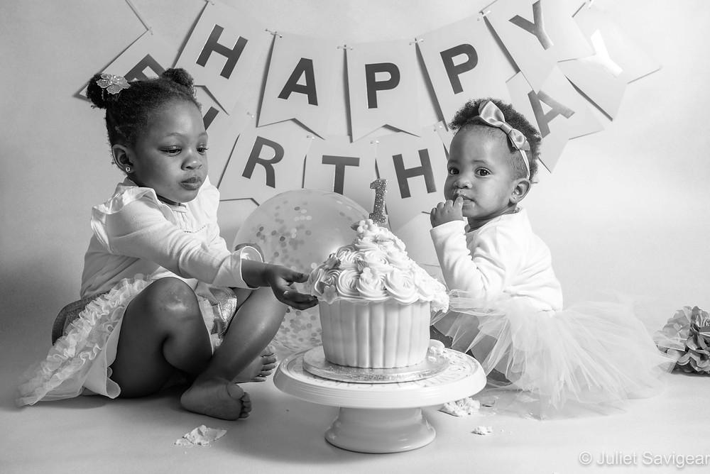 Siblings cake smash