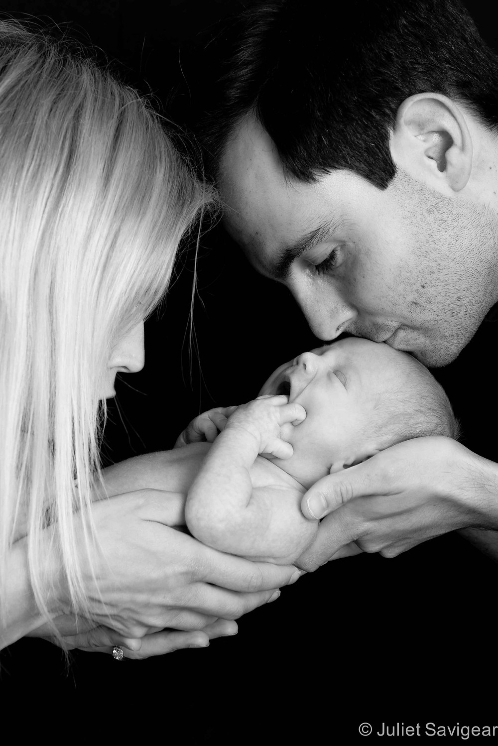 Kiss - Newborn Baby & Family Photography, Tooting