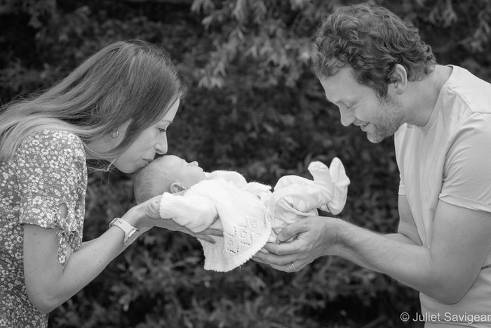Outdoor Newborn Baby & Family Photo Shoot - Tooting Common