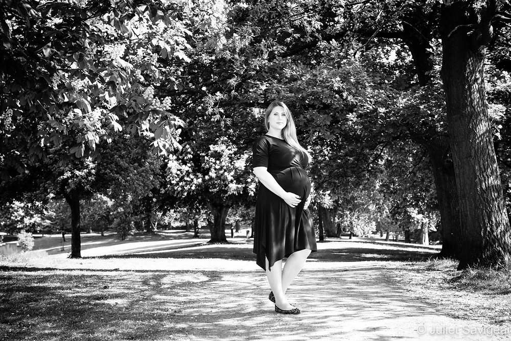 Maternity photography in the park