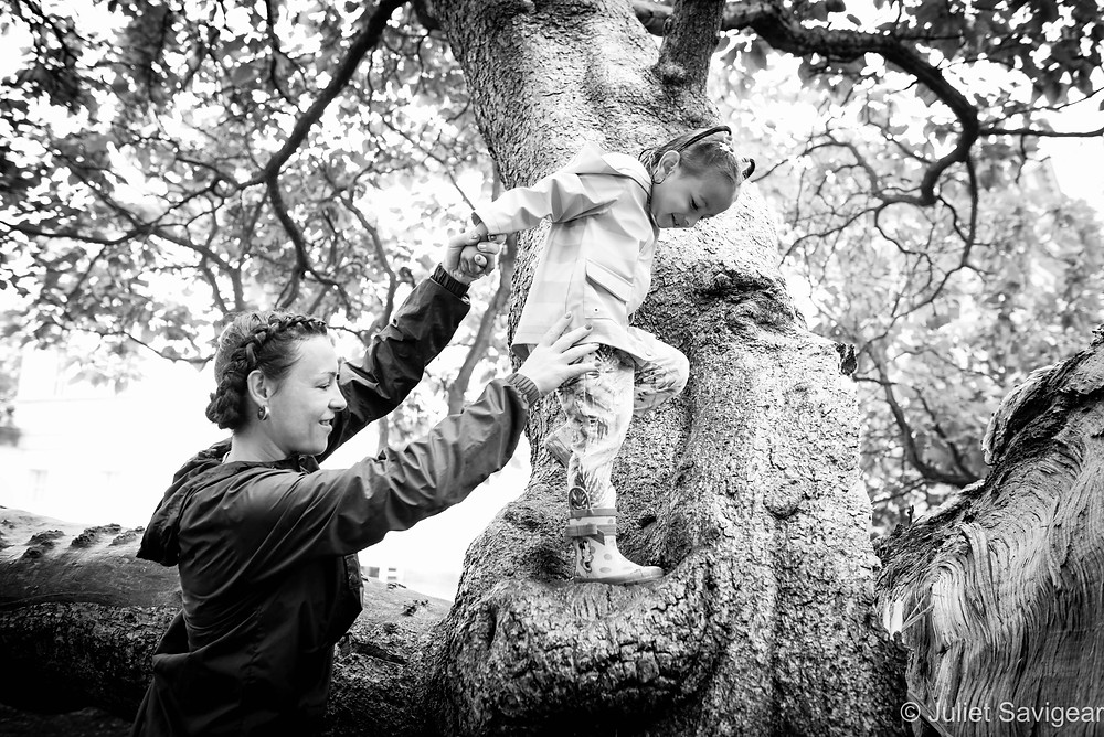 Climbing Trees - Family Photography, Chiswick