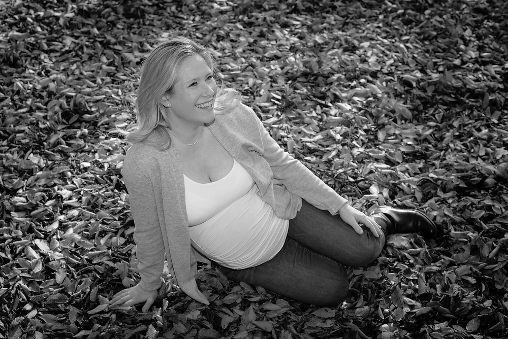 Maternity photography among the leaves