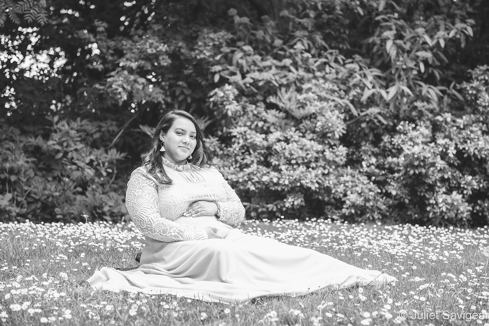 Pregnant lady among the daisies