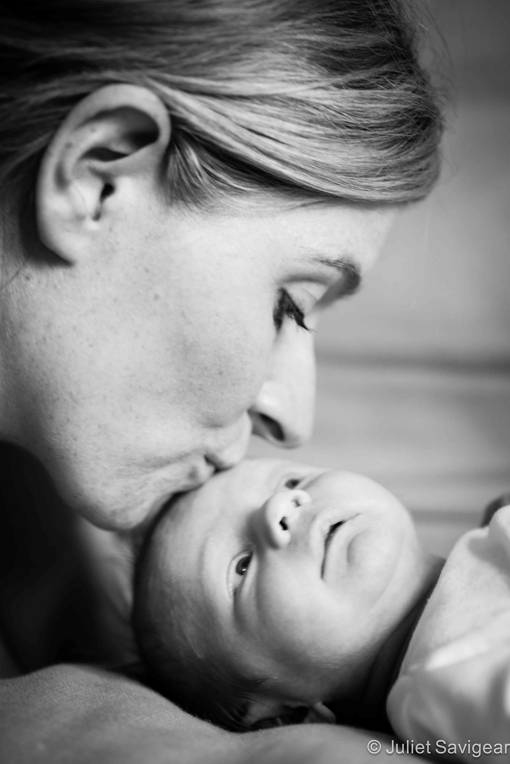 Kisses For Baby - newborn baby photography, Streatham