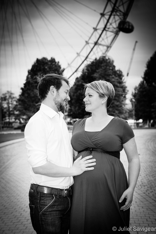 Maternity Photo Shoot by The London Eye - Southbank
