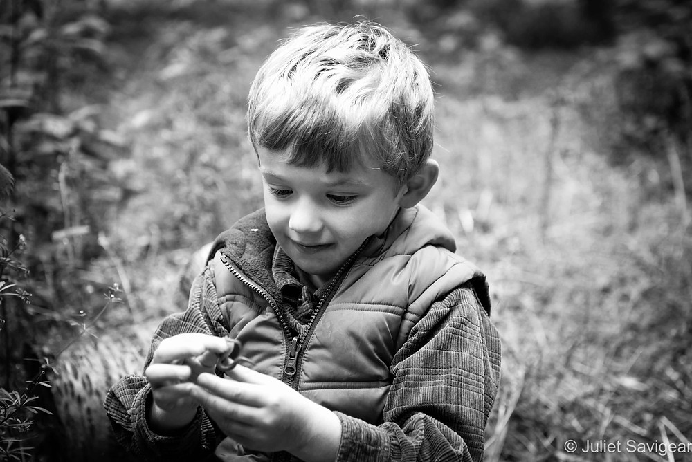 Worm - Twin Children's Photography, Oxfordshire