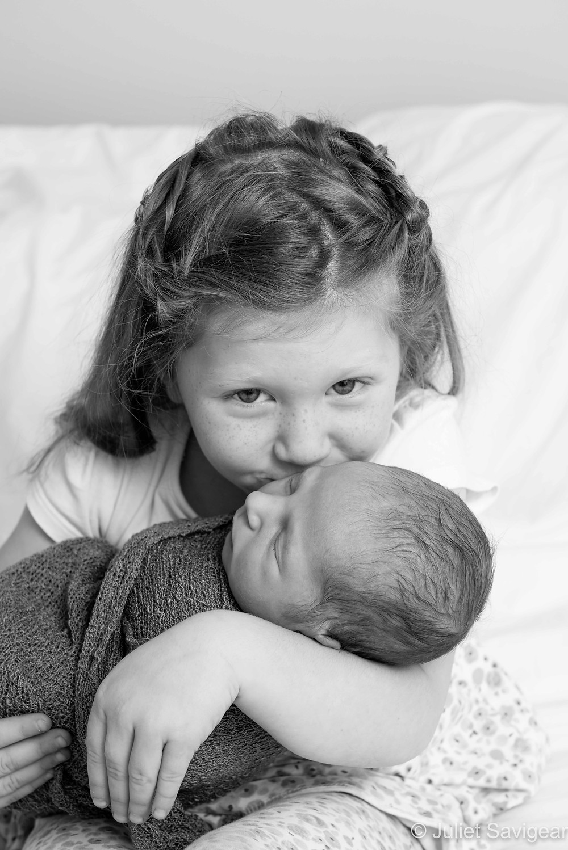 Kiss - Family Photography, Balham