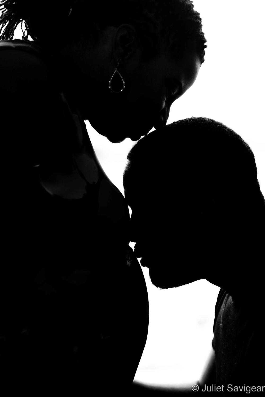 Close up on bump kiss