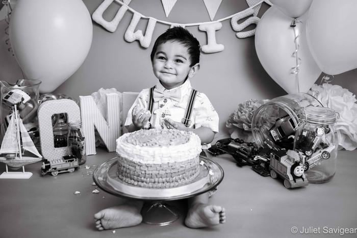 Cake Smash & Family Photographer - Mitcham