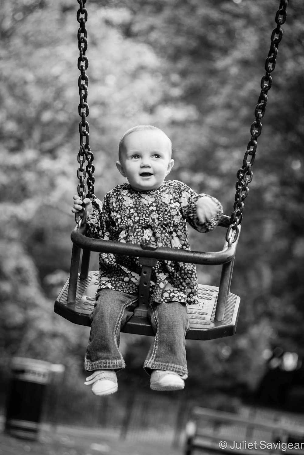 On The Swing - Family Photography, Waterlow Park, Highgate