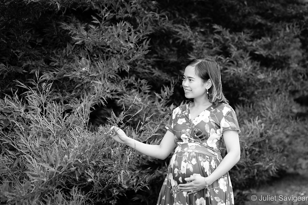 Beautiful natural maternity photos