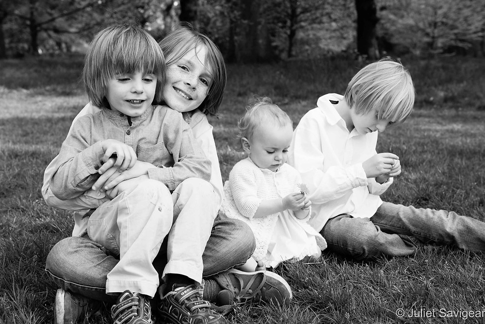 Daisy Chains - Children's photography, Tooting Common