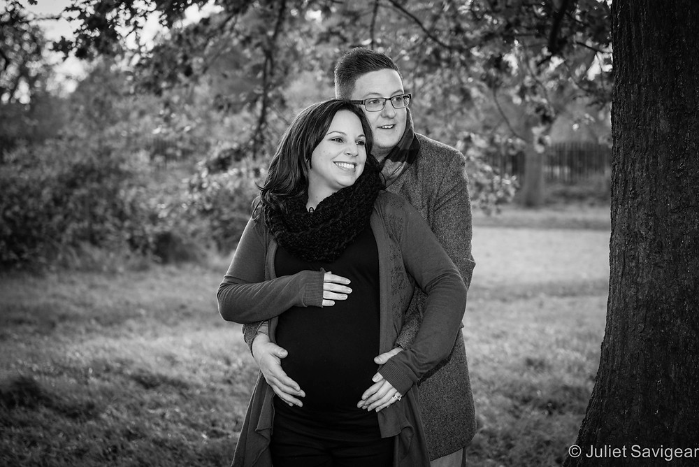 Happy Couple - Maternity Photography, Tooting Common