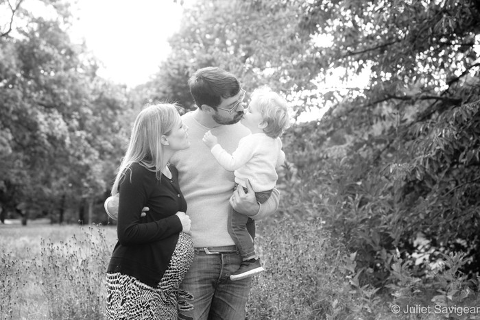 An Autumn Maternity & Family Photo Shoot On Wandsworth Common