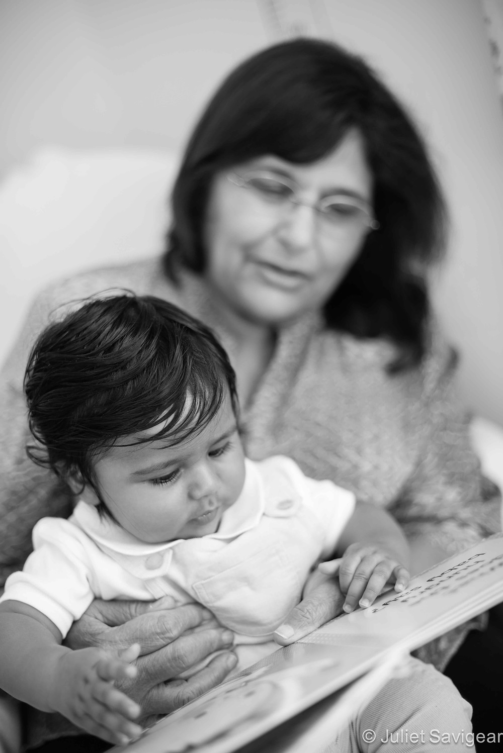 Reading with grandma - Family Photography - Ealing