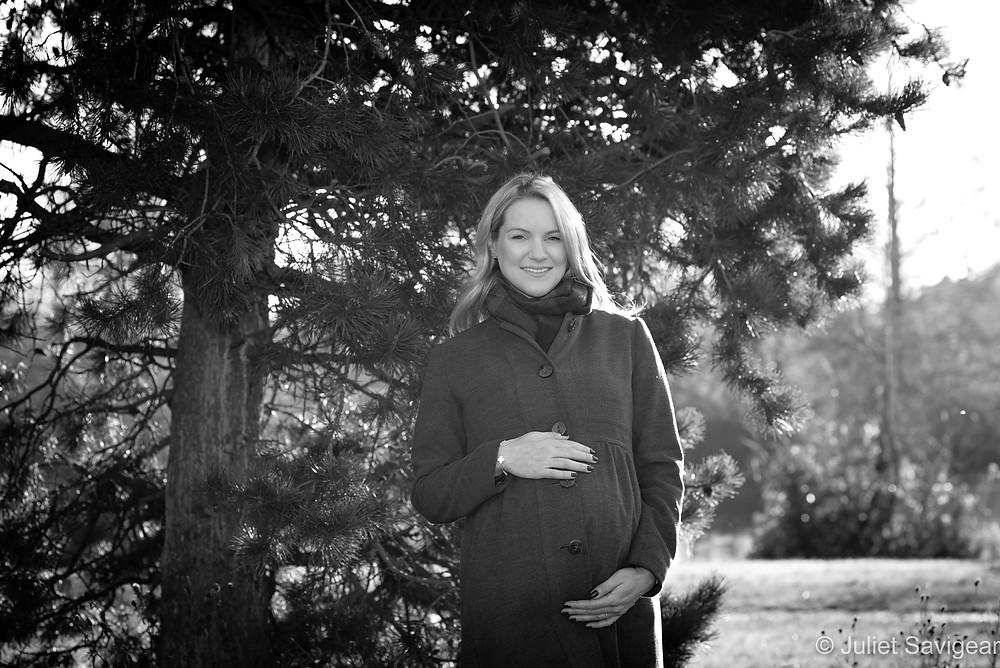 Natural maternity photography