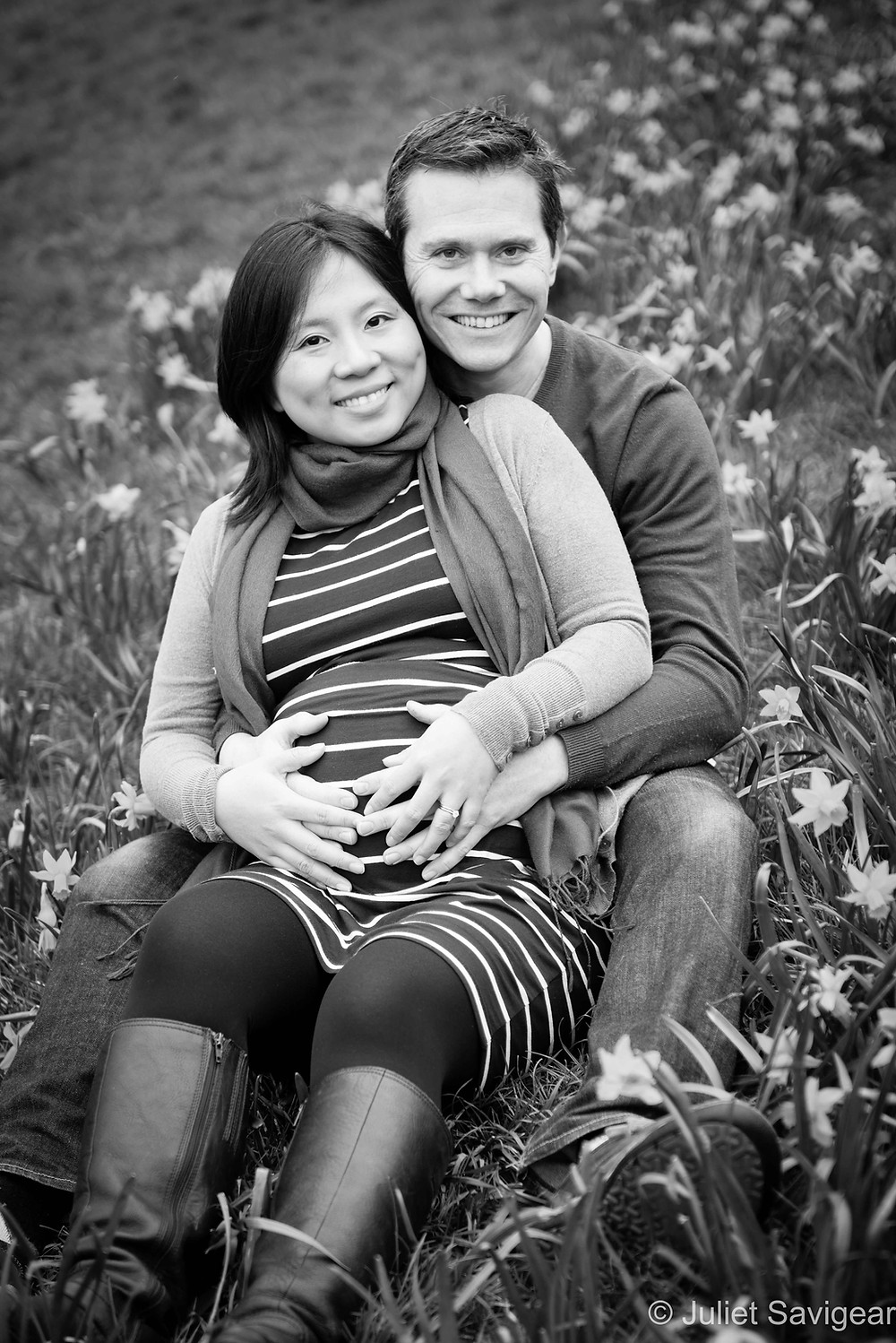 Among The Daffodils - Pregnancy Photography, Brixton, Brockwell Park