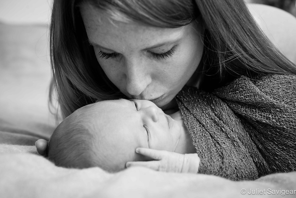 Mamma's Kisses - Newborn Baby & Family Photography, London Bridge