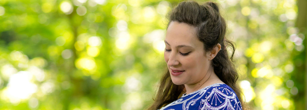 Maternity Photography In the Bluebell Woods