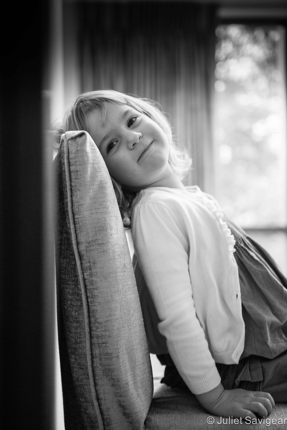 Sitting Pretty - Children's Photography, Purley
