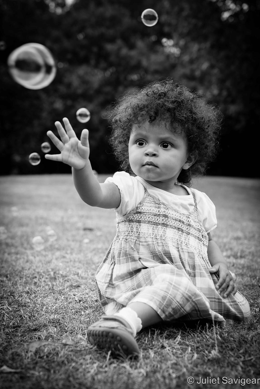 Catching Bubbles - Toddler Photography, Surrey Quays, London, SE16