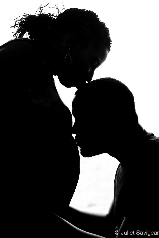 Kissing the bump silhouette