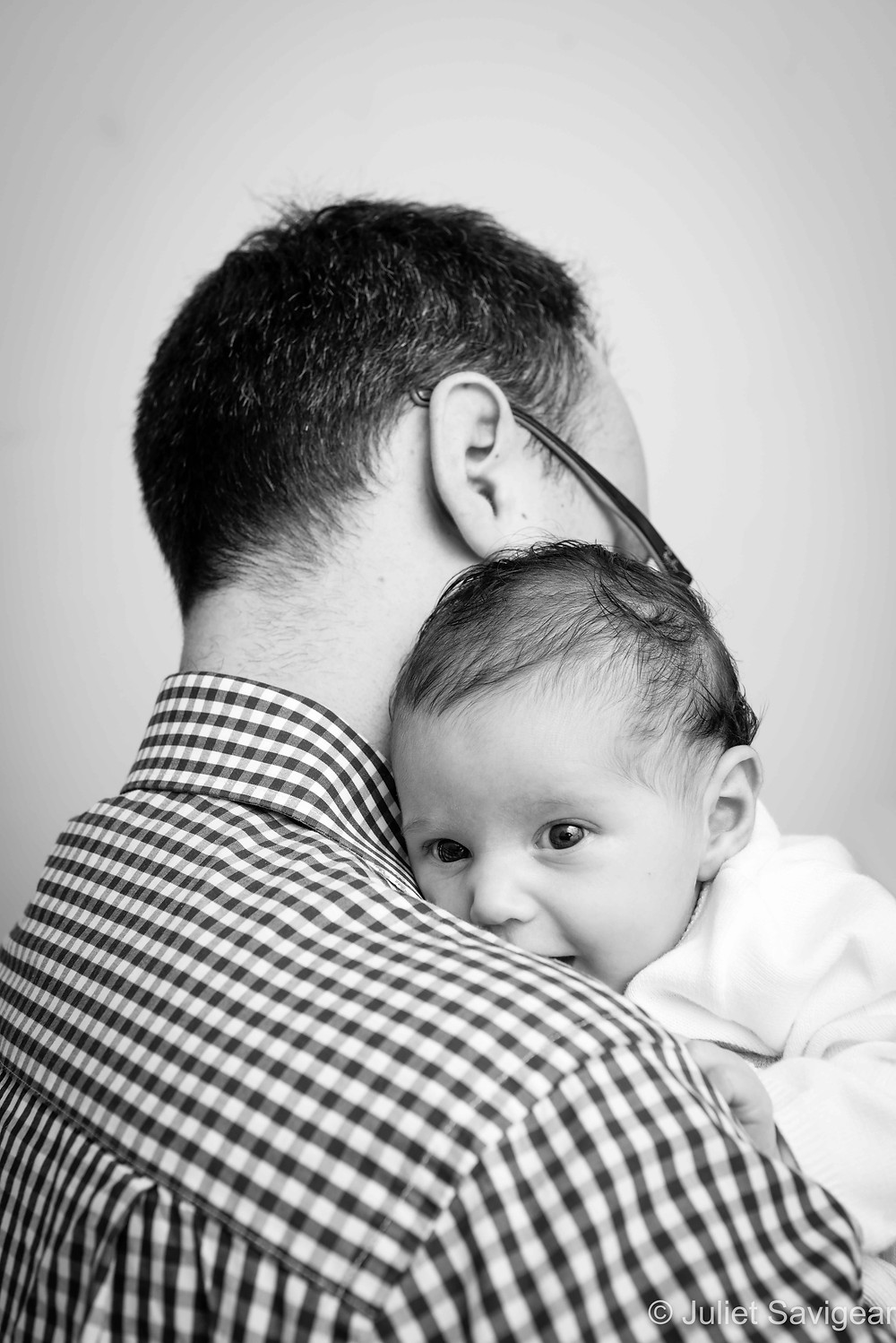 On Daddy's Shoulder - Baby Photographer, Kew