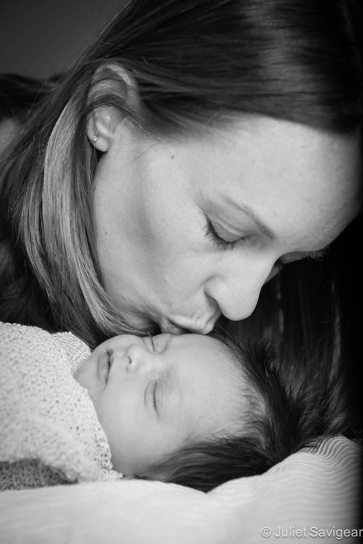 Mummy's Kisses - Newborn Baby & Family Photography, Kensington