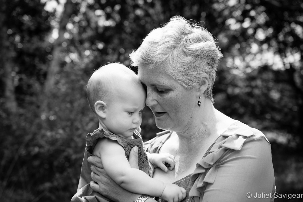 Cuddles With Auntie - Family & Baby Photography - Wimbledon