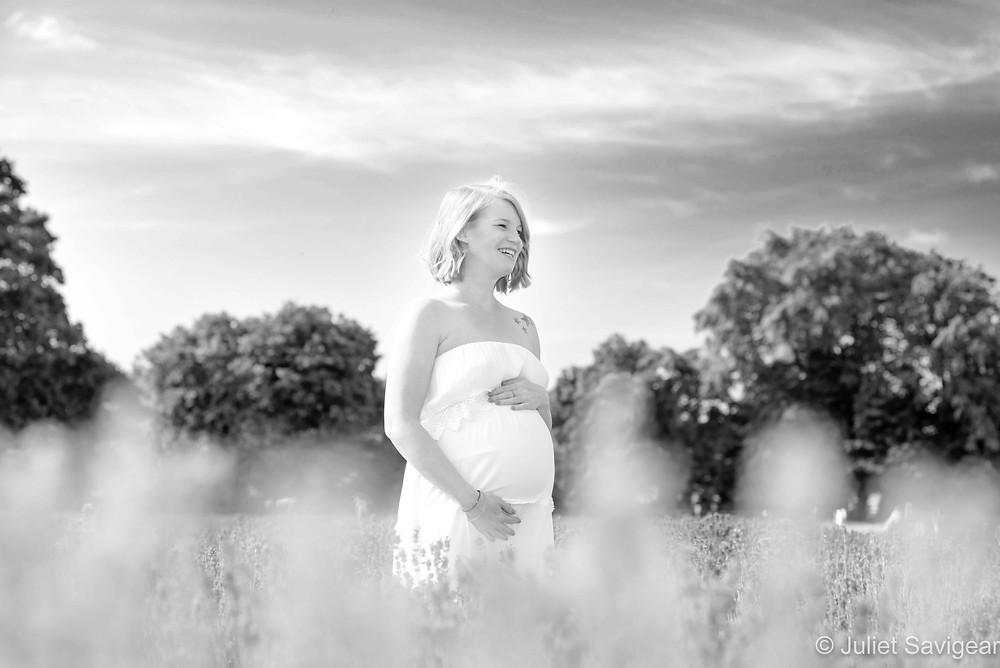 Beautiful summer maternity photography