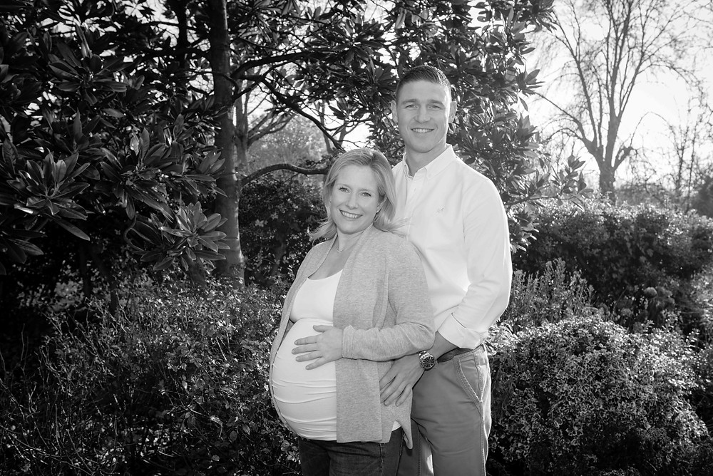 Pregnancy photography in the park