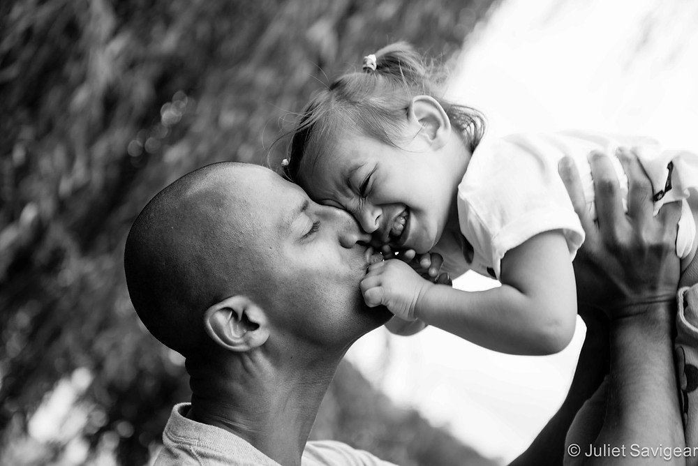 Kisses From Daddy - Children's & Family Photography, London