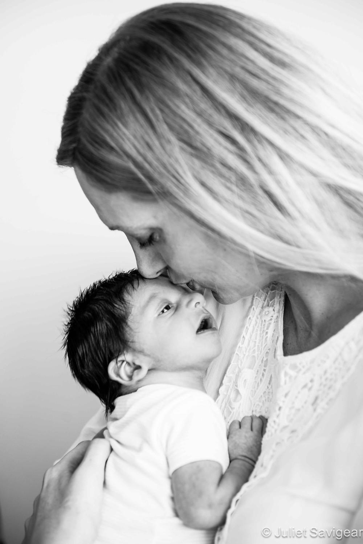 Little Kiss - Newborn Baby & Family Photography, Streatham