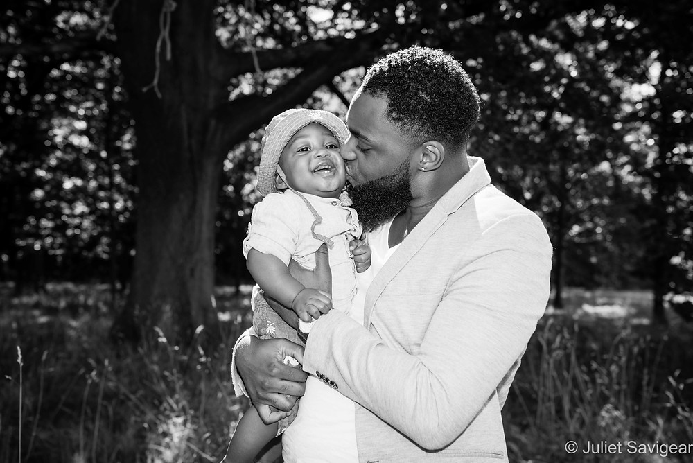 Kiss - Family Photography, Tooting Common
