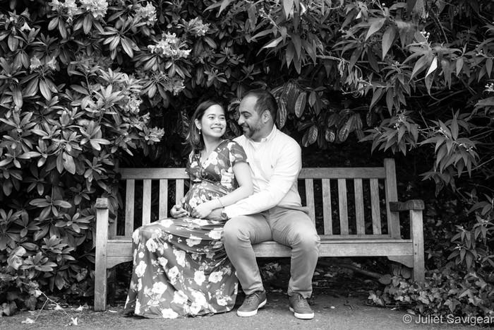 Fun Family & Maternity Photo Shoot - Kenwood House Gardens