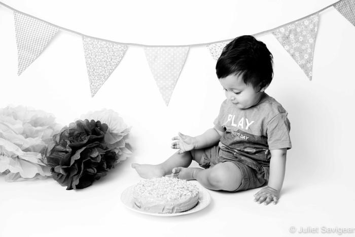 Cake Smash & Family Photographer - Earlsfield