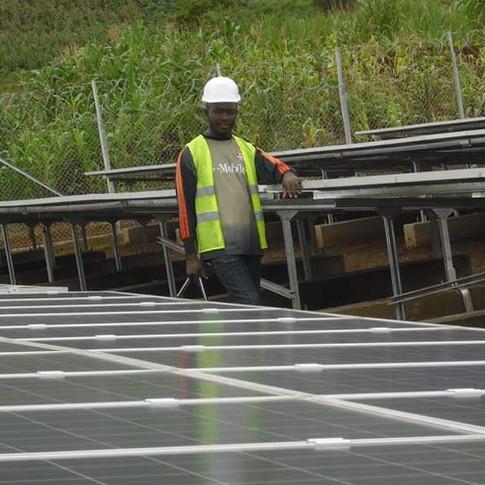 Centrale et mini centrale solaire.
