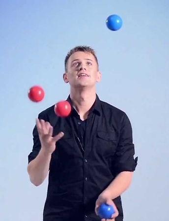 juggling%202_edited.jpg