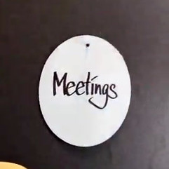 DER_RAUM_STORY_MEETINGS_2_1080_1920.mp4