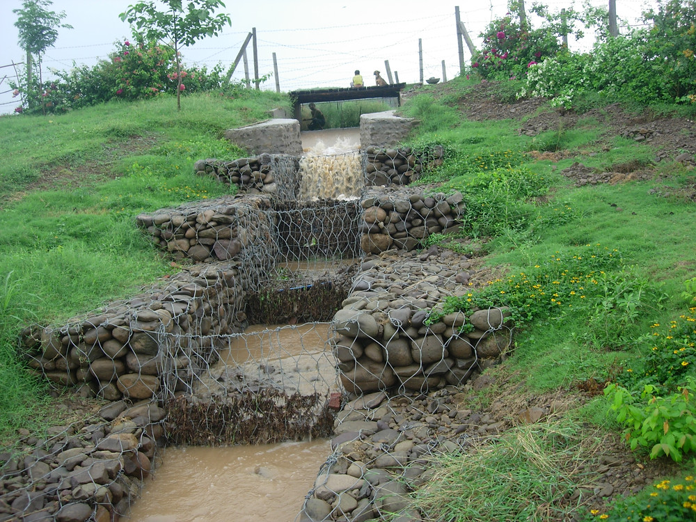 stone cage dam