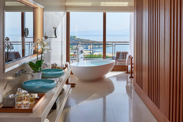 bodrum-suite-aegean-bathroom-01.jpg