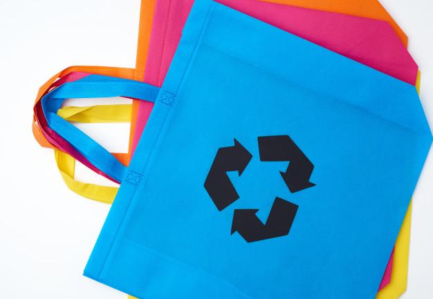 sacos-ecologicos-multicoloridos_116441-7