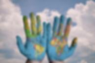 hands-600497_1920.jpg