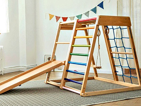 Use the climbing frame with multiple accessories to give children a happy childhood